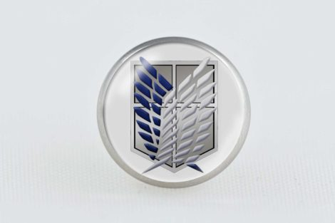 Chica Manga Attack on Titan scout regiment pin 20mm