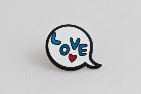 chica manga chat bubble love word in butterfly clasp pin
