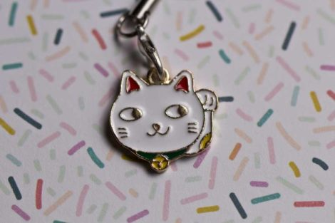 Chica Manga mobile charm strap Maneki nekos white one hand