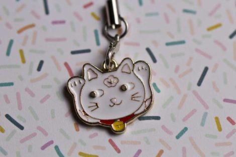 Chica Manga mobile charm strap Maneki nekos white two hands