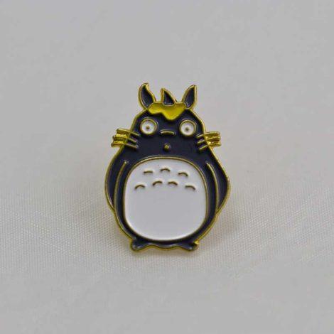 Chica Manga Big Totoro enamel pin