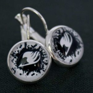 Chica Manga Fairy Tail logo BN dangle earrings
